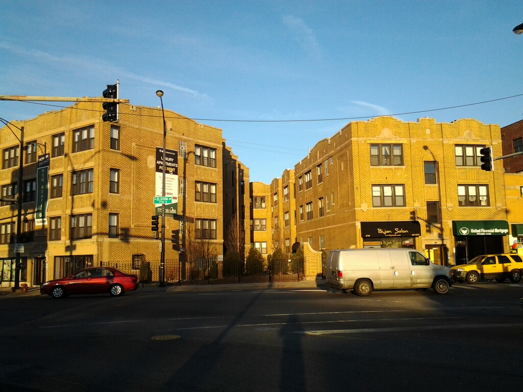 28 Units Mixed Use Building in Avondale, Chicago
