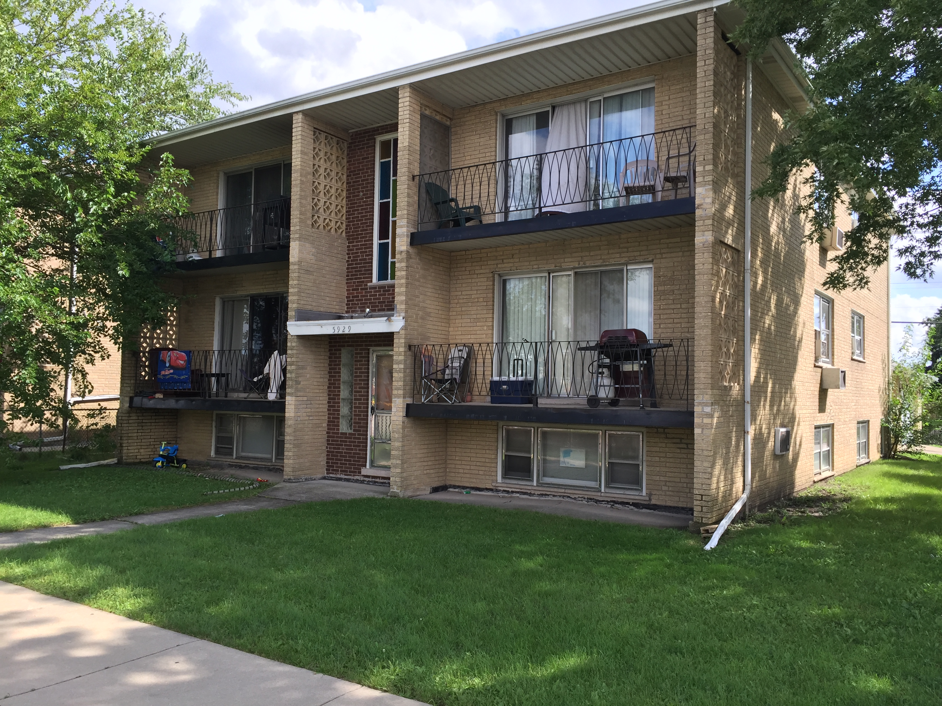 5929 W 79th St , Burbank, Illinois 60459 | 6 Unit Building