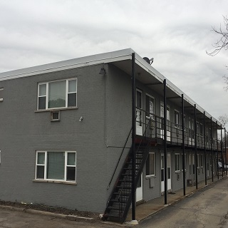 17 Unit Apartment Building In Des Plaines